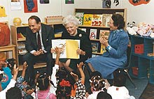 ginny and dick thornburgh with barbara bush at philadelphia school